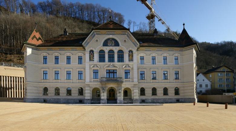 Regierungsgebäude_Liechtenstein_1.jpg